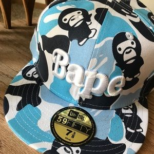 dd7c5c9d058 Bape Accessories - Vintage Bape x New Era Fitted Hat